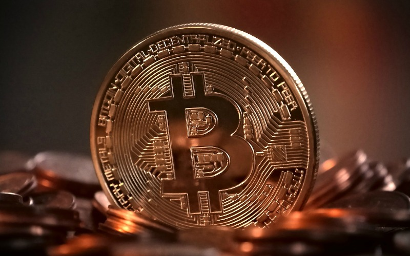 What is bitcoin, what affects its price and what is it