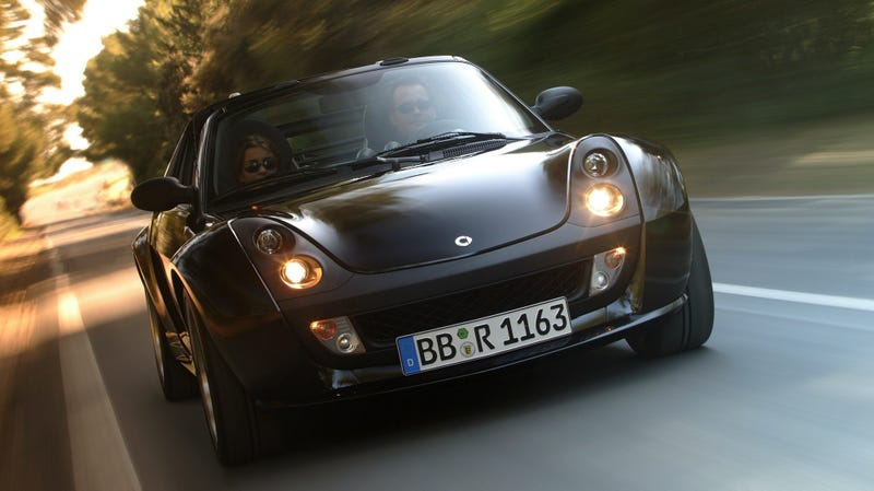 Illustration for article titled Dear Smart & Renault, Please Bring Back The Roadster and the Wind