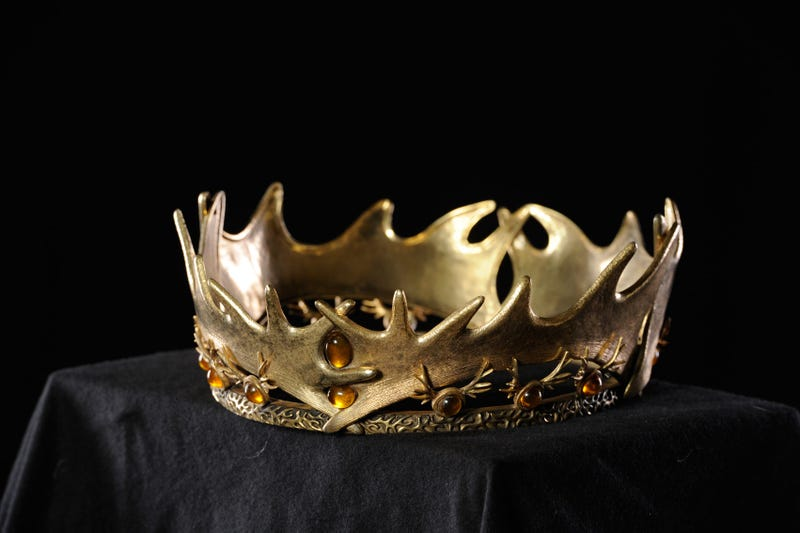Illustration for article titled Got $15,000? The crown of Robert Baratheon could be yours