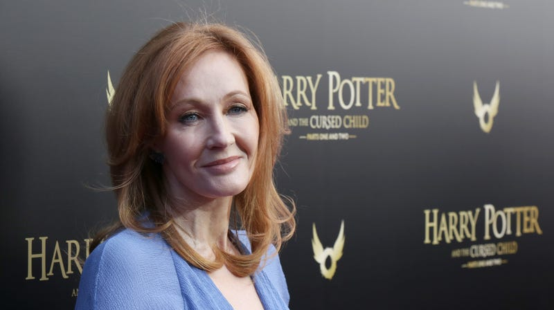 Illustration for article titled J.K. Rowling sues former employee for buying too many cats, the witchiest crime of all