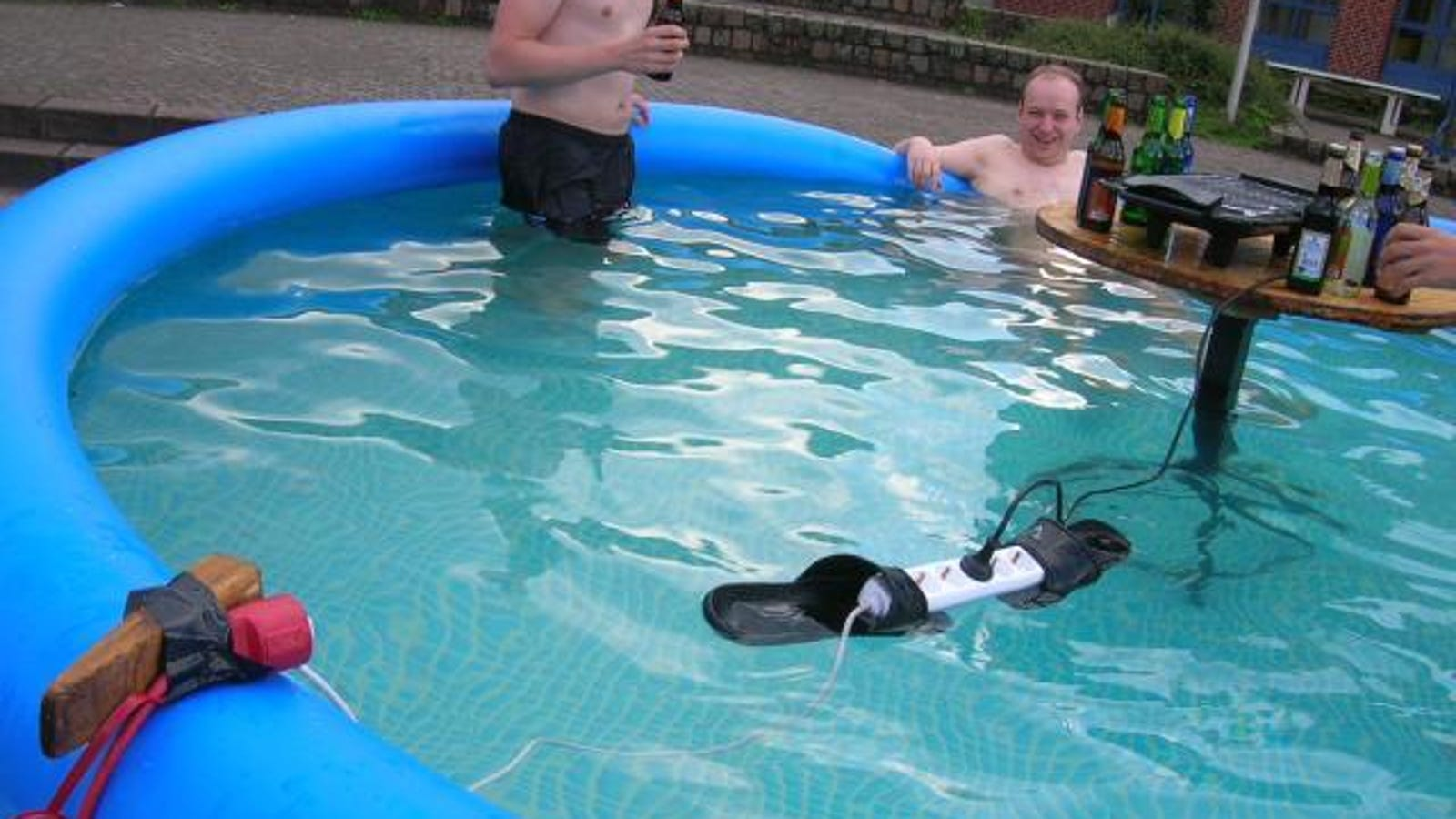 How To Win A Darwin Award Float Live Surge Protector In Pool On Of Flip Flops