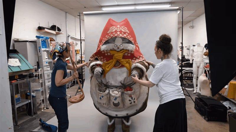 Se necesitaron 12 personas para lograr hacer este increíble cosplay gigante de Monster Hunter