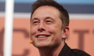 Illustration for article titled Google planea invertir 10 mil millones de dólares en SpaceX