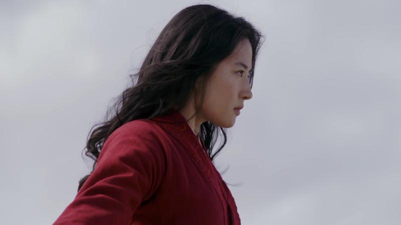 Mulán pasa de ser una hija callada a una guerrera invencible en la versión live action de Mulán. La película se estrenará en 2020.