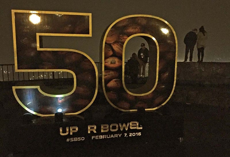 Illustration for article titled San Franciscans Have Declared War On Super Bowl Sculptures
