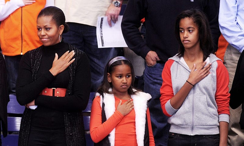 Illustration for article titled Sasha Obama Is Distracted By ________