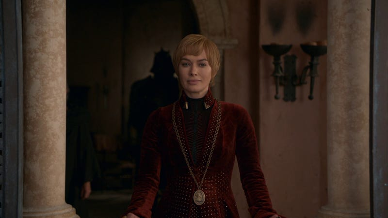 Cersei Lannister sonríe antes de la batalla