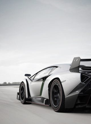 Illustration for article titled Lambo needs to lend the Veneno for the next Batman movie. That is a wicked car.
