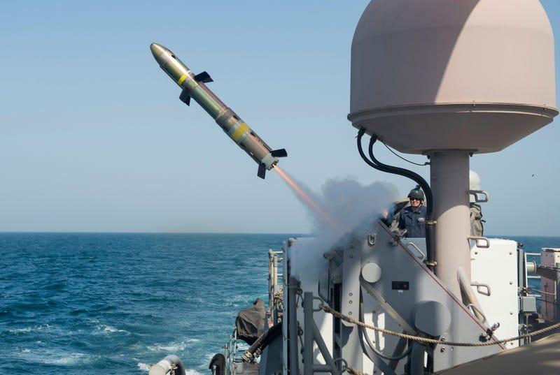 Resultado de imagen para hellfire missile + ship