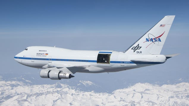 A Modified 747 Helped Spot Evidence of the Universe s First Atomic Bond