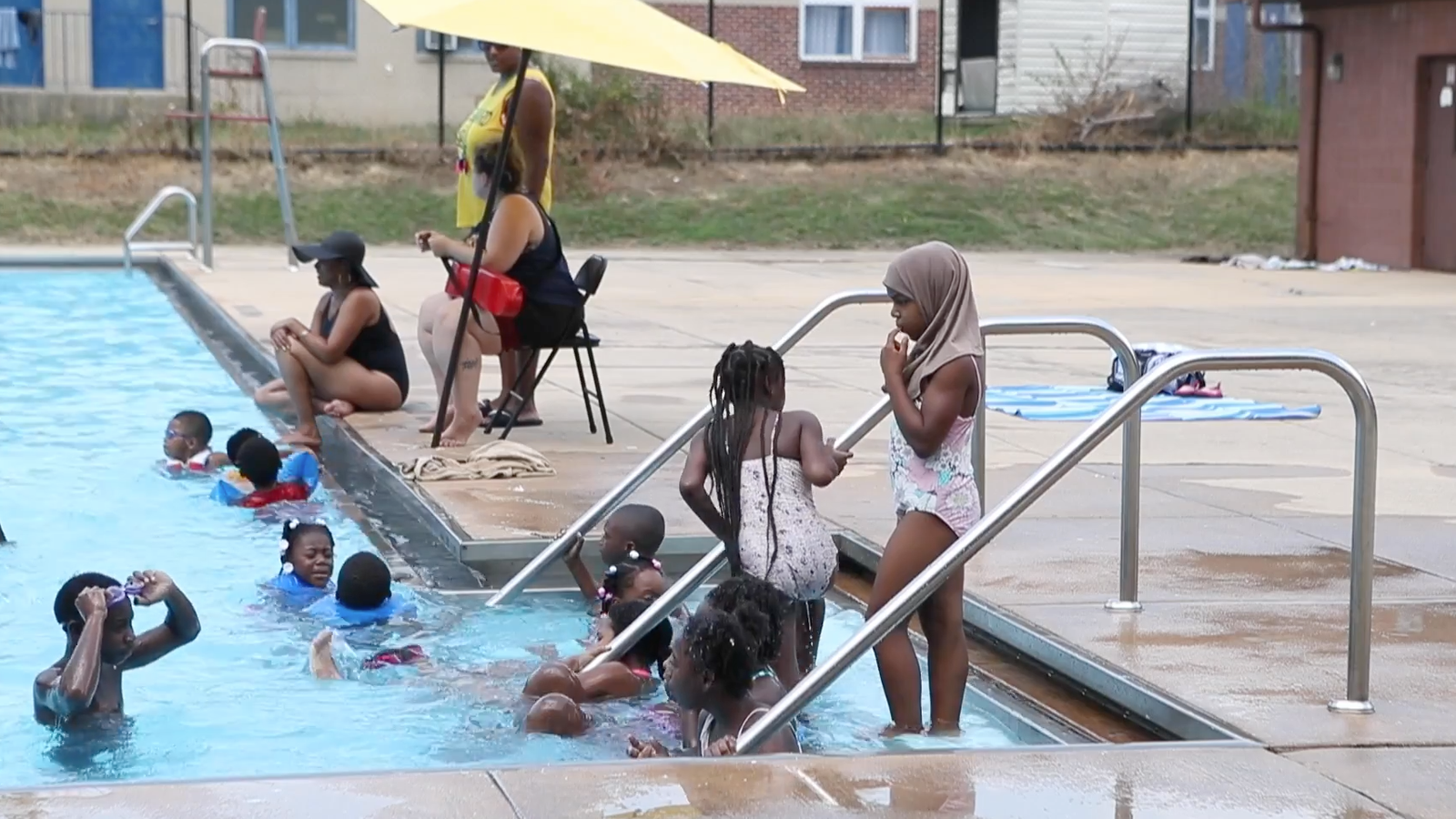 Muslims Kicked Out Of Delaware Pool For 39 Wearing Cotton 39