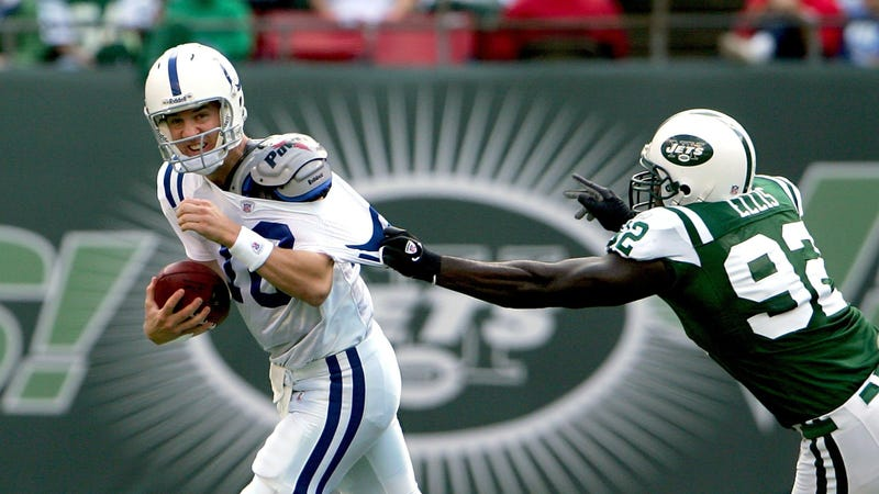 Illustration for article titled Report: The Jets Are Hoping To Get Peyton Manning As Their New GM
