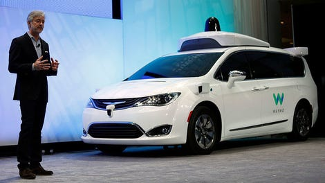 Waymo's Autonomous Car Taxi Service Now Open to Paying Riders