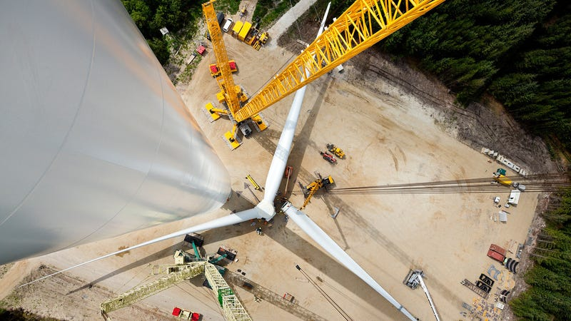 Illustration for article titled This View Down the World's Biggest Wind Turbine Will Give You Vertigo