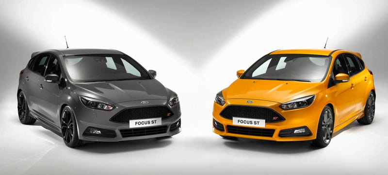 the 2015 ford focus st primarily gets cosmetic and handling related tweaks for its mid cycle refresh but thats okay because it was already awesome and