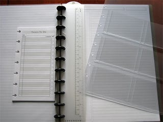 Illustration for article titled Customize Your Notes with the Circa Modular Notebook