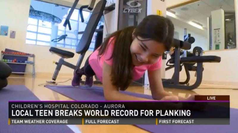 Illustration for article titled Teen Girl Does a Plank for a Record-Breaking Hour and 20 Minutes