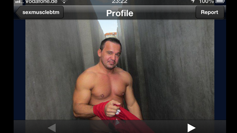 Illustration for article titled Grindr Users Also Love Posing In Front of the Berlin Holocaust Memorial