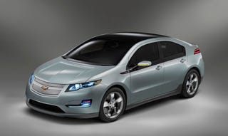 Illustration for article titled Production Chevy Volt Press Photos Revealed, Now Without Engineers!