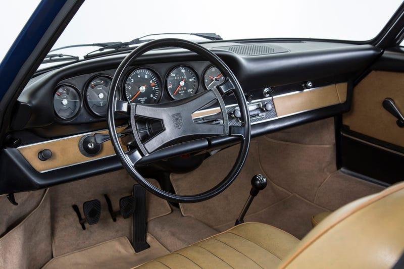Illustration for article titled Porsche Will Give You A Brand New Early 911 Dash For A Thousand Bucks