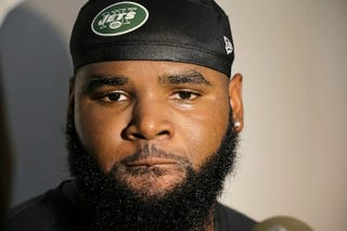 Illustration for article titled Cops Say Sheldon Richardson Raced Bentley 143 MPH, Refused To Pull Over