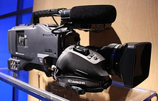 Illustration for article titled NAB07:  Panasonic Busts Out HPX500 Pro HD Camcorder