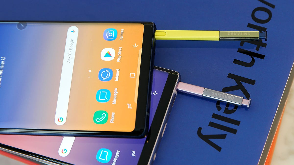 Samsung Galaxy Note 9 Hands-on: Making Big Specs Exciting Again