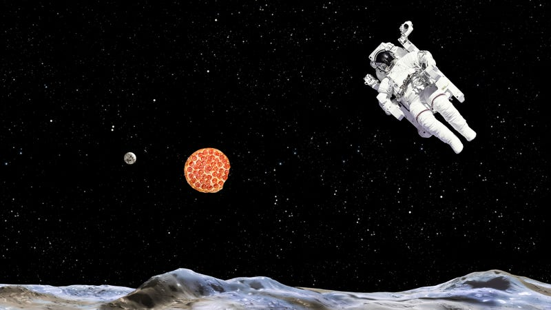 Illustration for article titled Astronauts threw a zero-gravity pizza party