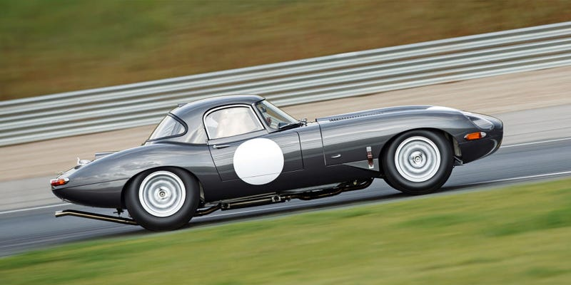 Illustration for article titled Road & Track Drove the Jaguar E-Type Lightweight and It Was Amazing