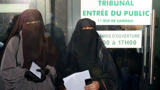 Illustration for article titled Woman May Be Sent To Prison For Violating French Burqa Ban
