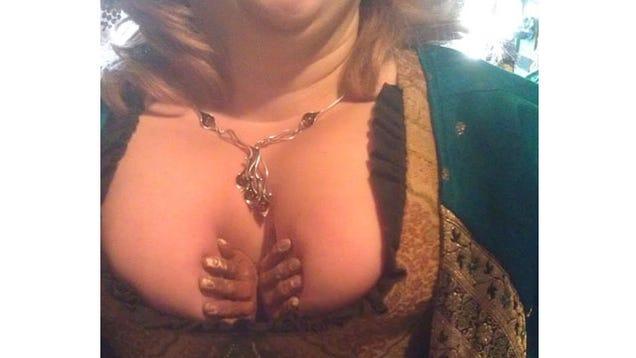 Alyssa milano black bra amp topless - 1 part 2