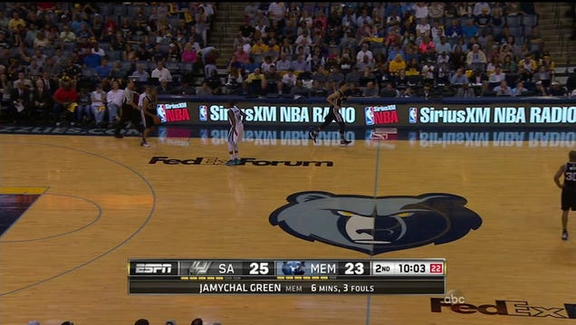 The lights went out in the middle of Spurs-Grizzlies Game 4