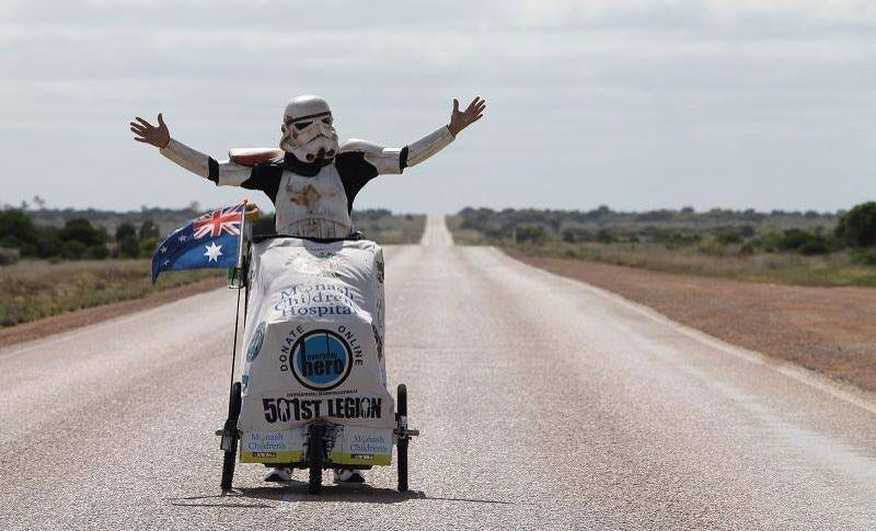 Illustration for article titled Stormtrooper Walking Across Australia (Not Yet Killed By Spiders)