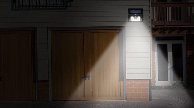 Beleuchten Sie Ihr Haus mit diesem $ 10 Solar-powered Spotlight ...