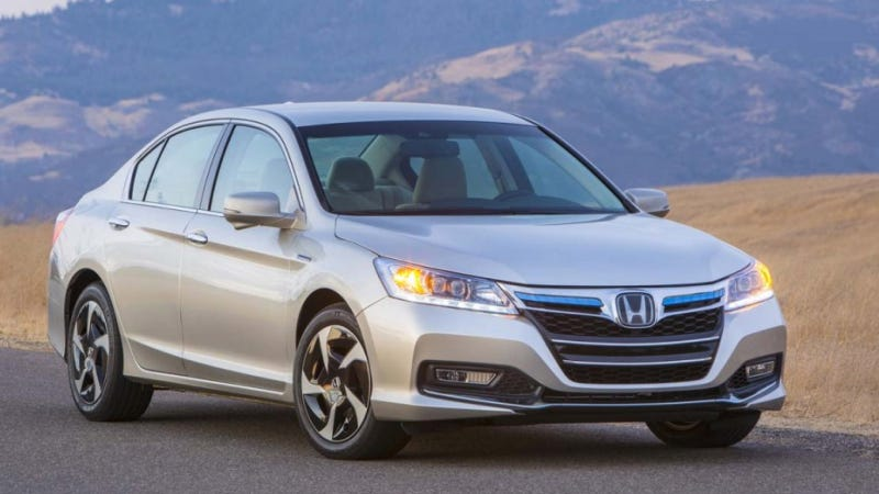 Illustration for article titled The 2014 Honda Accord Plug-In Looks Like It Had Bad Facial Reconstruction Surgery