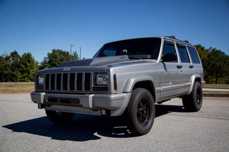 Illustration for article titled For $15,000, Could This Chevy-Powered 2000 Jeep Cherokee Be The LS Thing You Need?