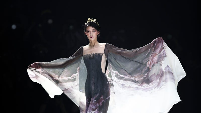 JUSERE runway, China fashion week, March 31.