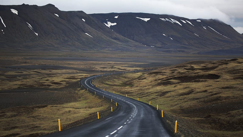 Illustration for article titled What Vehicle Should I Rent to Drive Iceland's Ring Road?