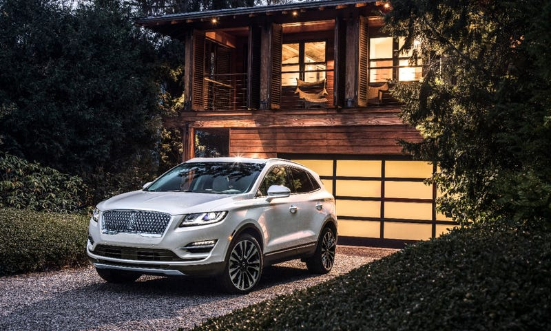 Illustration for article titled Lincoln gives the MKC a new nose for 2019