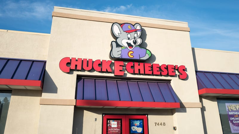 Illustration for article titled Maybe don't bring your guns to Chuck E. Cheese's