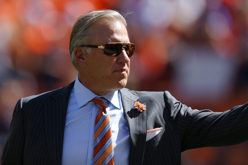 Illustration for article titled Hall of Fame Quarterback John Elway Is Dropping Major Money on Republican Candidates