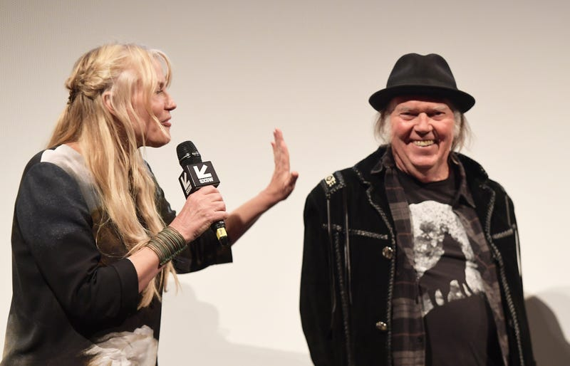 Illustration for article titled Neil Young Confirms That He and Daryl Hannah Are Wed, Reminds Us to Vote