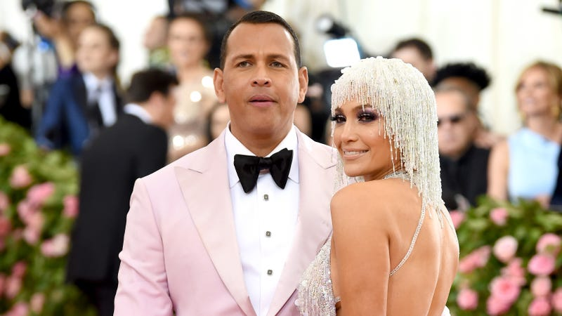 Illustration for article titled What Really Happened Between Kylie Jenner and Alex Rodriguez at the Met Gala?
