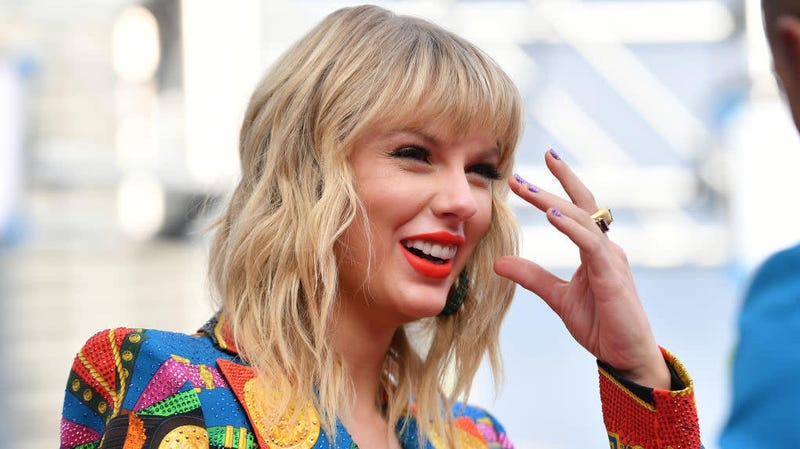Don't You Dare Try to Take the Taylor Swift 'London Boy' Route in Real Life