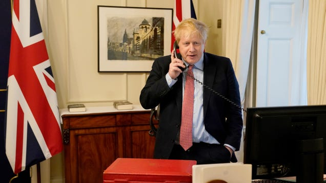 Boris Johnson Moved to ICU and Given Oxygen After Coronavirus Symptoms Get Worse