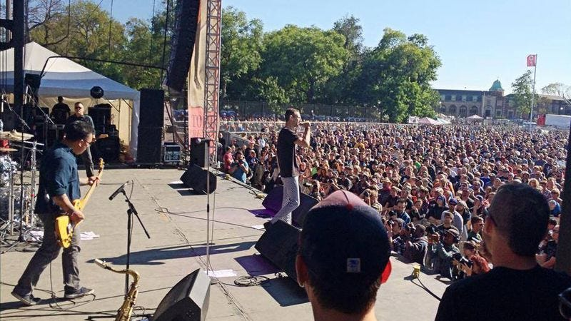 Naked Raygun plays at Riot Fest 2014 (Photo: Riot Fest)
