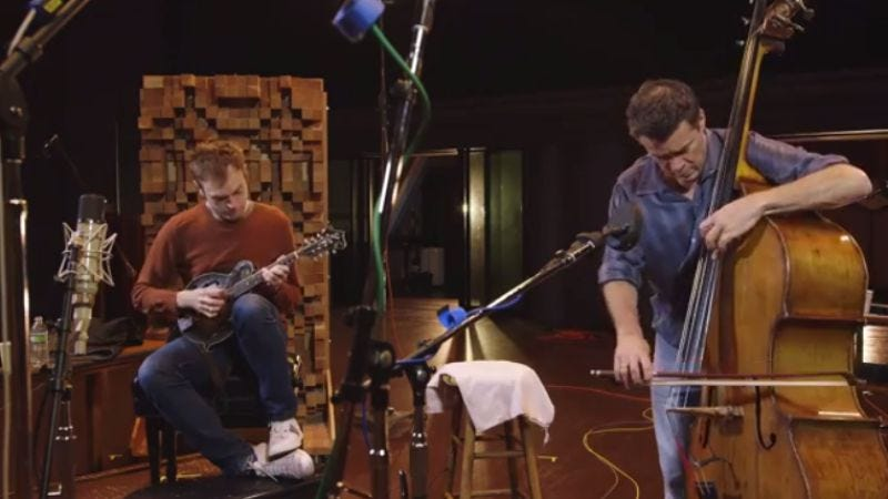 Illustration for article titled Watch Nickel Creek's Chris Thile and bassist Edgar Meyer get virtuosic