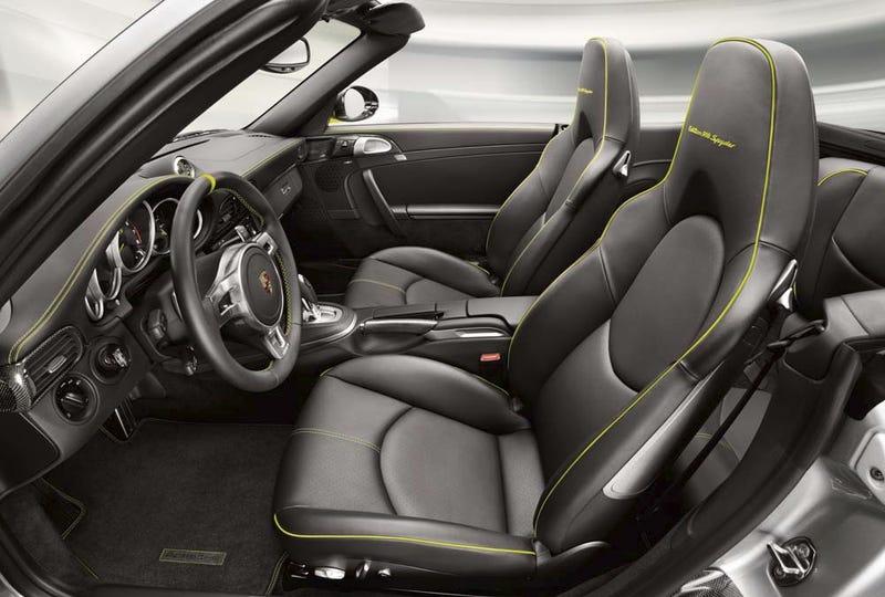 Illustration for article titled Porsche 918 Spyder Hybrid Edition 911: Press Photos