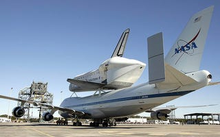 Illustration for article titled How To Attach The Space Shuttle To A Boeing 747