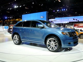 Illustration for article titled Chicago Auto Show: 2009 Ford Edge Sport Live